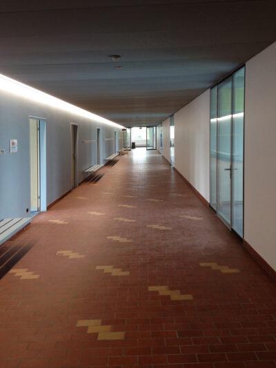 Kurzweiliger Gang AAB Atelier für Architektur und Bauökologie | Bern | Schweiz